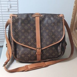Authentic Louis Vuitton Crossbody Expandable Bag